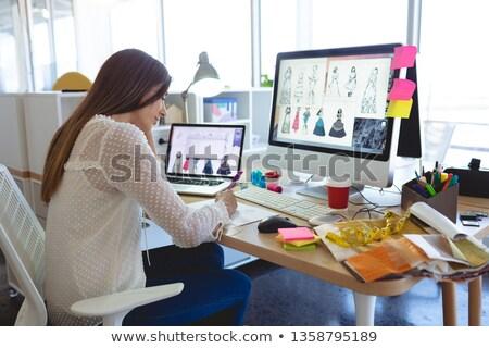 Yandan görünüş genç kafkas kadın moda tasarımcı Stok fotoğraf © wavebreak_media
