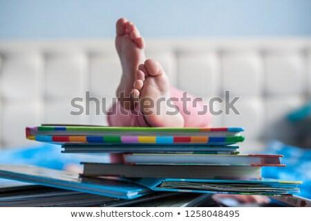 Stok fotoğraf: Portre · ayaklar · yatak · aile · seksi