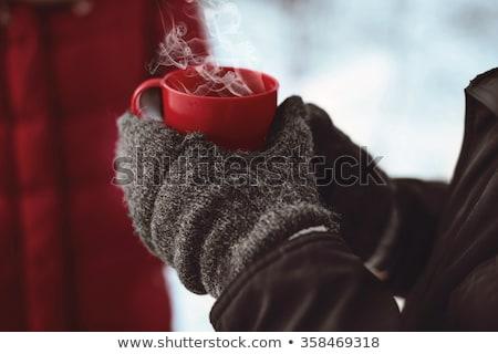 Stockfoto: Vrouwelijke · drinken · warme · drank · buitenshuis · winter · jonge