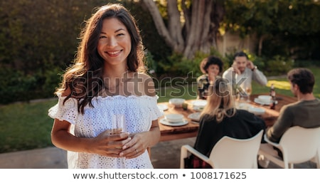mujer · fiesta · beber · pie · alimentos - foto stock © monkey_business