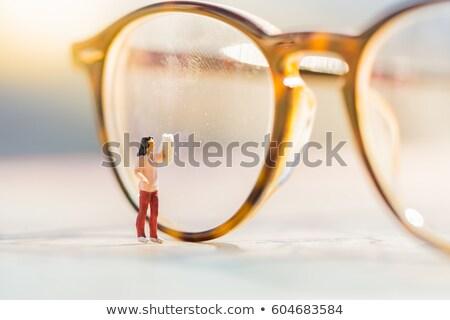 Takarítás szemüveg kicsi nő alkat világ Stock fotó © compuinfoto