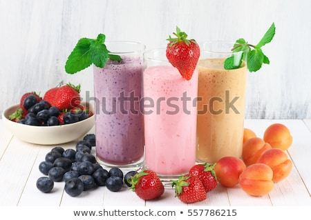 smoothie · slagroom · glas · tabel · drinken · zwarte - stockfoto © m-studio
