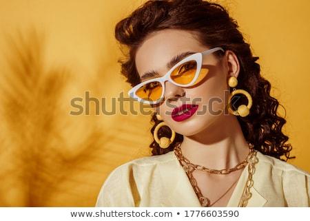 Gyönyörű fiatal modell nagy napszemüveg divat Stock fotó © serdechny