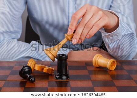 handen · zakenvrouw · spelen · schaken · spel - stockfoto © Freedomz