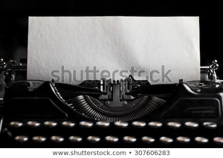 vetor · velho · máquina · de · escrever · preto · papel · isolado - foto stock © bluering
