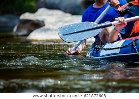 jonge · vrouw · kajakken · vrouw · waterval · helm · kleur - stockfoto © monkey_business