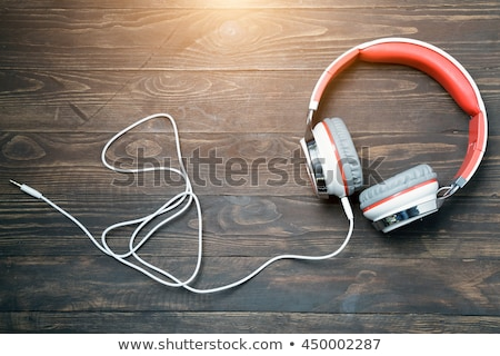 Man luisteren mp3-speler hoofdtelefoon ontspannen leggen Stockfoto © monkey_business