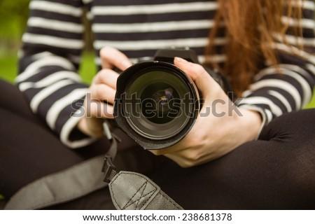 Középső rész női fotós közelkép dslr kamera Stock fotó © wavebreak_media