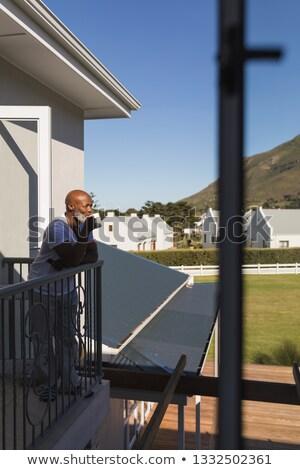Vista lateral guapo altos hombre taza Foto stock © wavebreak_media