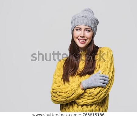 Zdjęcia stock: Kobieta · ciepłe · ubrania · odizolowany · biały · dziewczyna · szczęśliwy