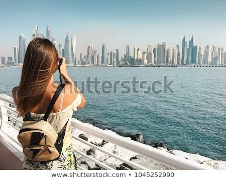 turista · nő · város · vakáció · Dubai · városi - stock fotó © Kzenon