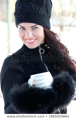 Femminile inverno mano ritratto rosso giovani Foto d'archivio © photography33