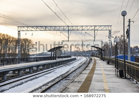 ストックフォト: 冬 · 駅 · 雪 · 背景 · 金属 · ケーブル
