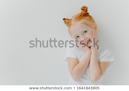 Feliz pequeno menina cabeça mãos Foto stock © vkstudio