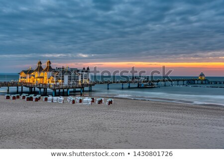 De manhã cedo belo mar pier ilha Alemanha Foto stock © elxeneize