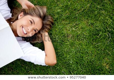 Stockfoto: Vrouw · gras · portret · jonge · asian · meisje