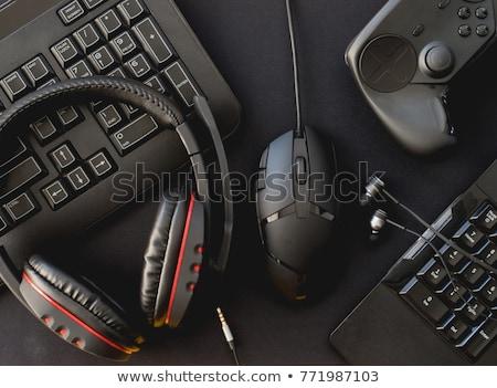 ordenador · puesto · de · trabajo · aislado · supervisar · teclado · ratón - foto stock © ozaiachin
