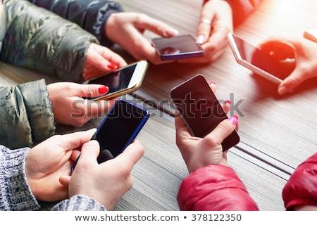 携帯 · アプリ · 画面 · 女性 · 手 - ストックフォト © stevanovicigor