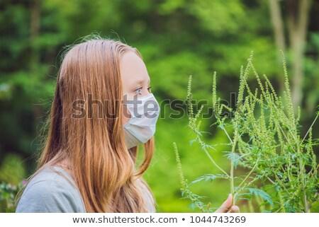 Jonge vrouw medische masker allergie bloemen voorjaar Stockfoto © galitskaya