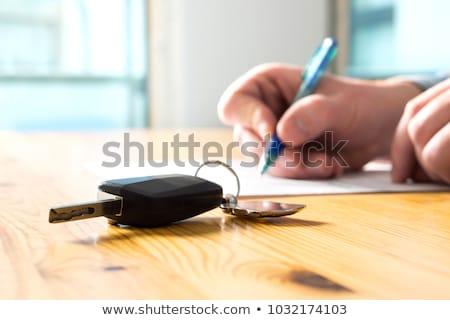 Bérlet megállapodás aláírás autó biztosítás irányvonal Stock fotó © snowing