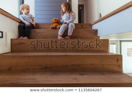 Twee jongen vechten trappenhuis illustratie kind Stockfoto © colematt