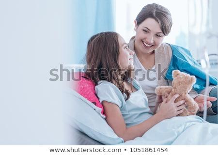 çocuk · gülen · tıbbi · hastane · yatak - stok fotoğraf © wavebreak_media