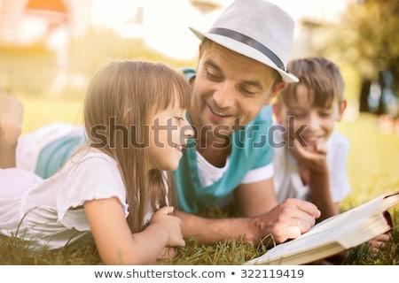 mae · pai · crianças · menina · sessao · quarto - foto stock © wavebreak_media