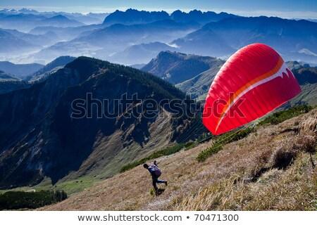 Kezdet siklórepülés természet hegy hegyek piros Stock fotó © FOTOYOU