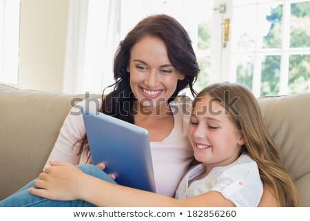 母親 · 娘 · サーフィン · インターネット · コンピュータ · ホーム - ストックフォト © andreypopov