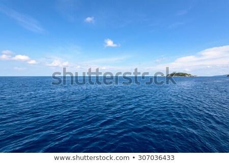 zeegezicht · klein · eiland · dubrovnik · heuvels · water - stockfoto © epstock