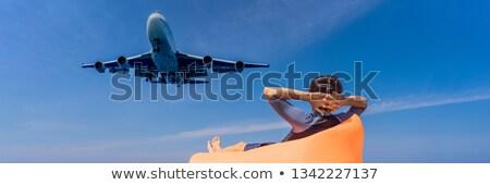 男 · 観光 · 楽しい · ビーチ · を見て · 着陸 - ストックフォト © galitskaya