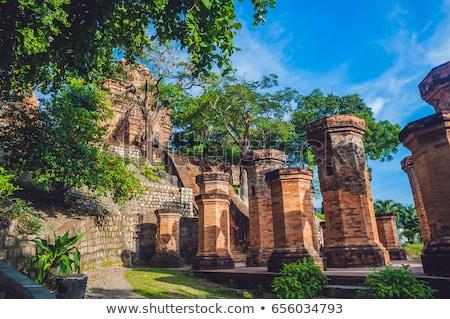 Oude baksteen mijlpaal Vietnam asia Stockfoto © galitskaya