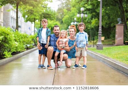 Gelukkig vier park familie meisje baby Stockfoto © Lopolo
