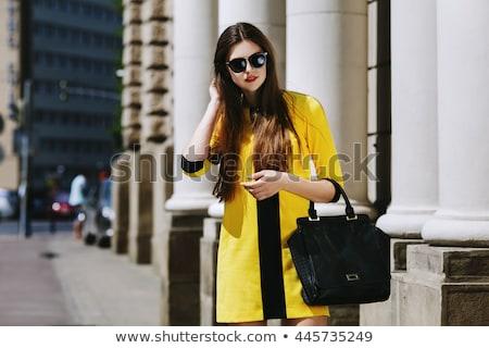 Vrouw jurk straat bril leder gordel Stockfoto © ElenaBatkova