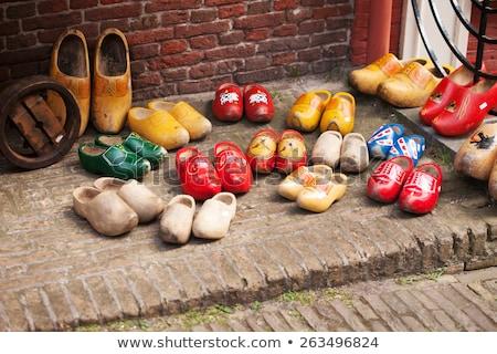 Tradicional holandês amarelo sapatos holandês Foto stock © wime