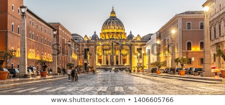 バチカン市国 · サン·ピエトロ大聖堂 · 1泊 · ストリートビュー · 建物 · 通り - ストックフォト © ca2hill