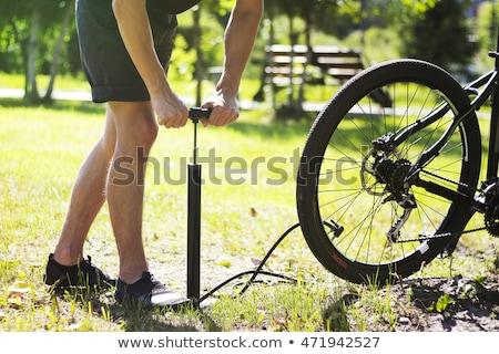rower · opon · ręce · rowerów · podziale - zdjęcia stock © ruzanna