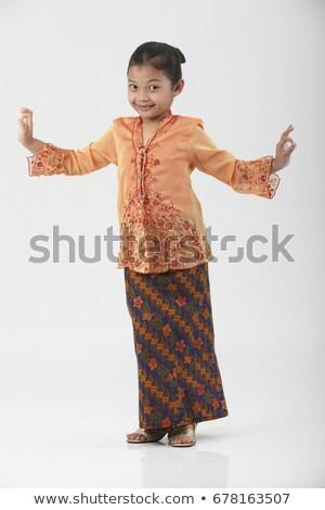伝統的な · 少女 · 笑顔 · ファッション · 作業 · ファブリック - ストックフォト © yuliang11