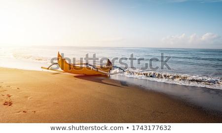 ストックフォト: 漁師 · ボート · 伝統的な · インドネシアの · 漁船 · バリ