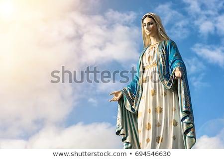 Dziewica posąg ręce na zewnątrz biały studio Zdjęcia stock © iofoto
