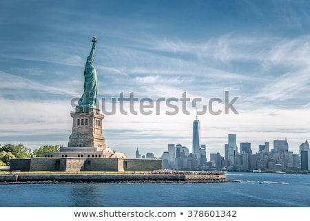 Standbeeld vrijheid water pont eiland amerika Stockfoto © rmbarricarte