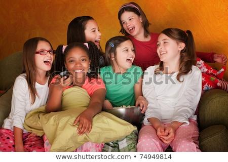 Dziewczynka piżama jedzenie popcorn ilustracja uśmiech Zdjęcia stock © colematt