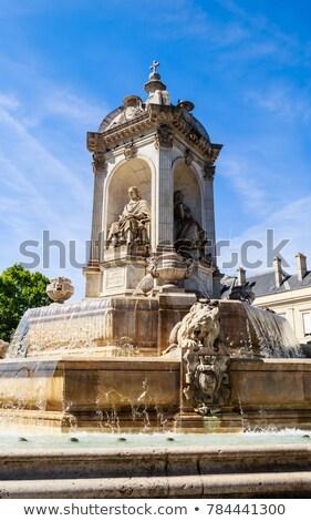 Stedelijke sculptuur standbeeld twee kalk Stockfoto © hraska