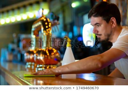 pincérnő · étel · kávézó · fiatal · pult · kenyér - stock fotó © wavebreak_media