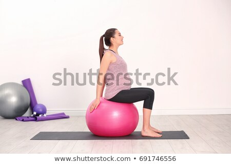 kadın · pilates · top · kız · vücut · uygunluk - stok fotoğraf © boggy