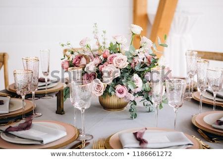 Flor blanca decorado mesa de madera stock foto mesa Foto stock © nalinratphi