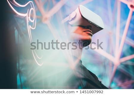 Stockfoto: Vrouw · hoofdtelefoon · technologie · gezicht · gelukkig · venster