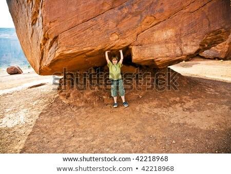Vallei kind leuk groot rock Stockfoto © meinzahn