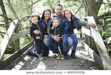 家族 5 メンバー 森 一緒に 子供 ストックフォト © Lopolo