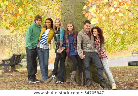 grupo · seis · adolescente · amigos · árvore - foto stock © monkey_business